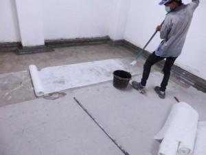 Pelapisan chopped strand matt dibasahi dengan polyester resin menjadi pelapisan fiberglass anti bocor