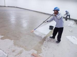 Pelapisan fiberglass untuk seluruh lantai beton