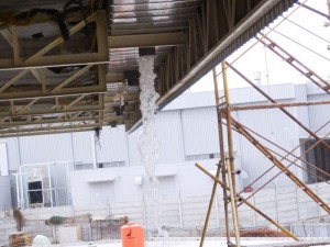 Air hujan dari Box Corong sebelum pemasang  pipa pvc