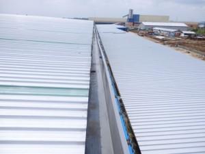 Talang air fiberglass photo dari atas, mampu tahan sehingga 15 - 20 tahun dan tahan berbagai cuaca.