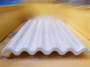 atap gelombang fiberglass gelombang besar warna transparan
