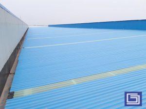 Atap penerang pabrik warna cool