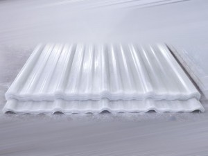 Atap penerang fiberglass tipe MBS 1050 warna transparan