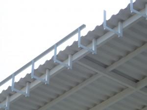 Bracket besi Siku untuk support talang air fiberglass