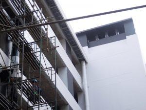 Talang air fiberglass tersambung ke PVC pipa