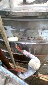 Pelapisan coating fiberglass untuk permukaan tangki stainless steel
