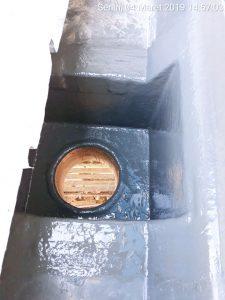 Box kontrol dan corong fiberglass terlihat dari atas