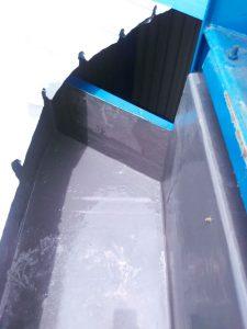Tutup Ujung talang fiberglass sehingga air hujuan tidak meluap