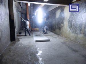 Pelapisan lining fiberglass bisa aplikasikan untuk di bak beton , tangki baja , tangki kimia, kolam ikan dan lain-lain.