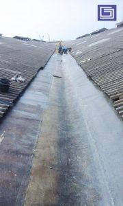 Hasil pelapisan coating sebelum aplikasi top coating. Fiberglass sangat cocok untuk mencegah kebocoran dan rembesan air hujan.