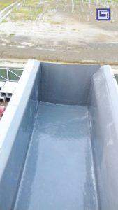 Tutup ujung talang air hujan fiberglass.