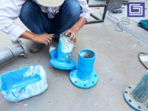 Flange untuk tangki panel fiberglass berfungsi sebagai saluran air.