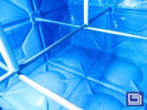mbar dalam tangki panel fiberglass setelah dicoating anti-uv sehingga mampu tahan lama.