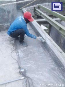 Proses menghaluskan permukaan yang kasar sebelum coating anti-uv.