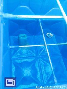 Photo tangki panel fiberglas bagian dalam setelah coating anti-uv .