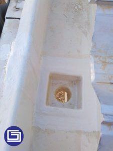 Box dan corong fiberglass terpasang untuk mengalir air hujan ke pipa pvc drainase.