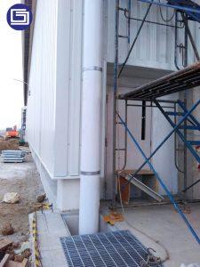 Kami melayani jasa pemasangan pipa pvc untuk gudang atau pabrik.