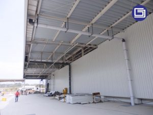 Pemasangan talang fiberglass dan pipa pvc proyek Toyoda Gosei Indonesia.