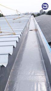 Water gutter fiberglass untuk pabrik dan gudang.