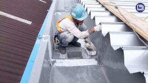 Sambungan  water gutter fiberglass tahan lama dan tidak mudah bocor.