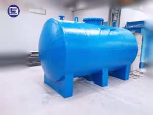 Custom horizontal tank fiberglass.