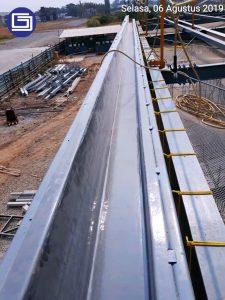 Talang hujan fiber berkualitas bergaransi 10 tahun tidak bocor.