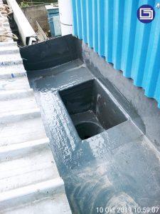 Box kontrol + corong air fiberglass terpasang berfungsi untuk atasi air hujan yang deras sehingga tidak meluap.