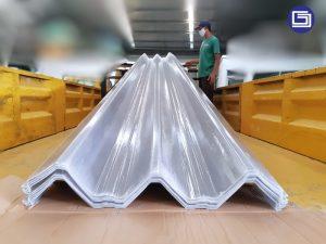 Skyroof fiberglass tipe U650 , menerima atap gelombang custom bentuk dan warna.